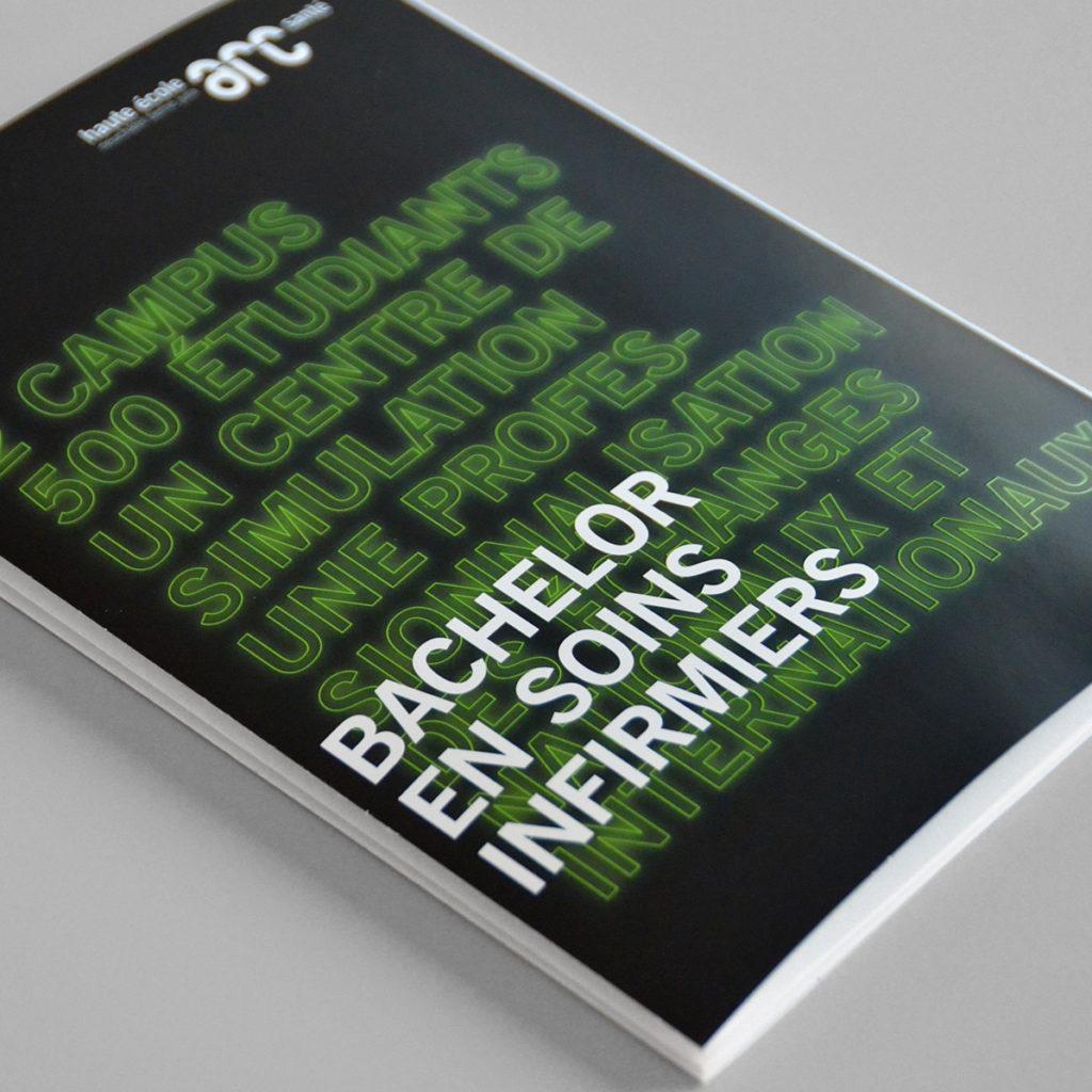 Brochure leporello He-Arc Santé