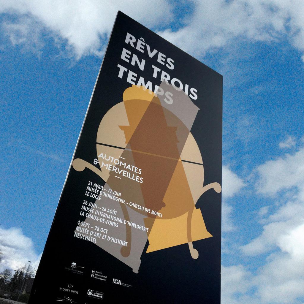Totem entrée Musée exposition Rêves en trois temps